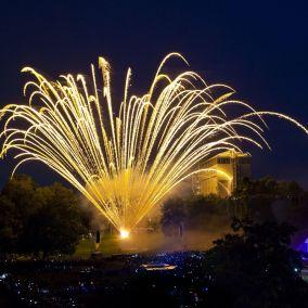 Großes Feuerwerk – synchron zu Musik