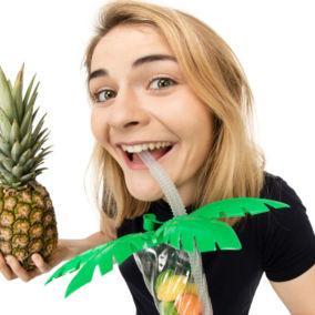 """Hazel Brugger – """"Tropical"""""""