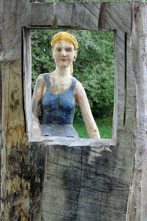 Bild zur Veranstaltung Aussichten | Holzskulpturen von Roger Lcherbach